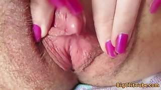 close up big clit rubbing